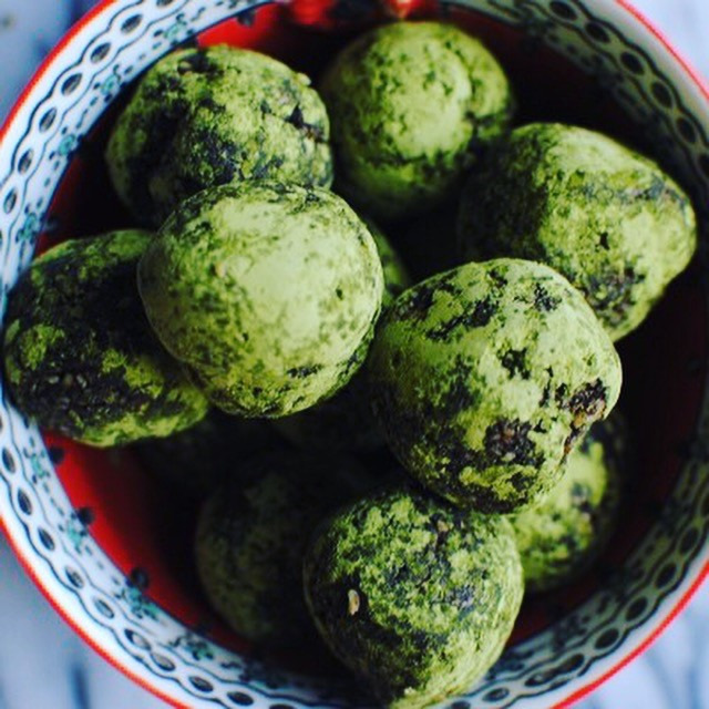Sweet Matcha Energy Balls