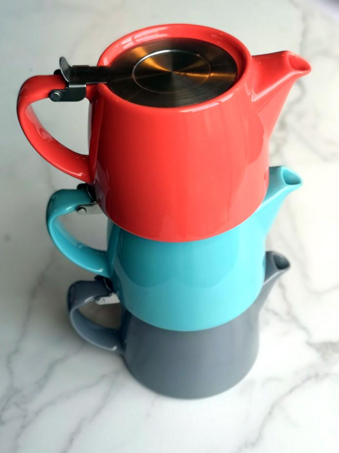 Suki Stump Tea pots