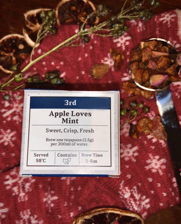 Advent Day 3 APPLE LOVES MINT